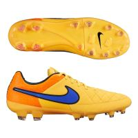 Tiempo Nike chaussures